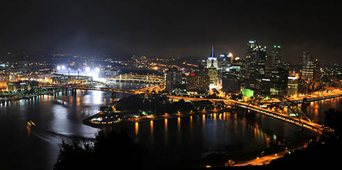 A panoramic view of the Pittsburgh, Pennsylvania skyline